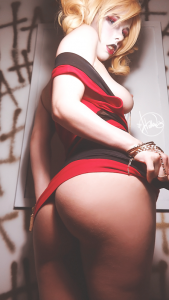 Harley-Quinn-topless-cosplay