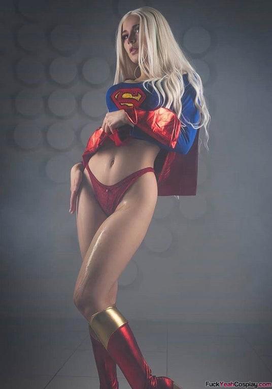 Oichichan-as-Supergirl