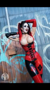 Starfucked-as-Harley Quinn-topless