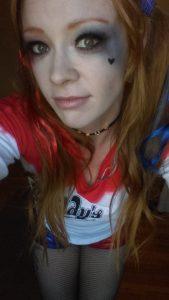hot-harley-quinn-selfie