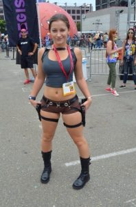 hot-lara-croft-cosplay-girl