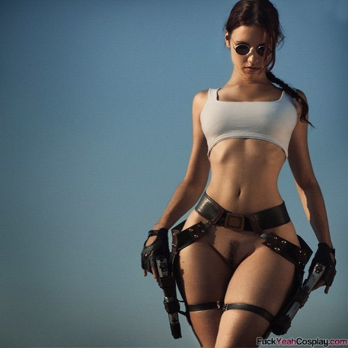 thick-and-sexy-cosplay-babe