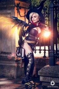 witch-mercy-cosplay-babe
